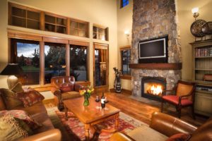 Image of the inside of a spacious lounge room at Pronghorn Golf Resort, Bend, Oregon, USA